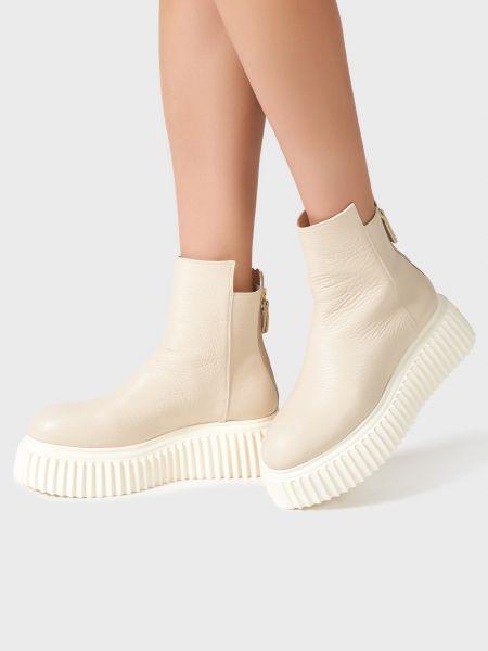Бежевые кожаные ботинки на платформе Agl