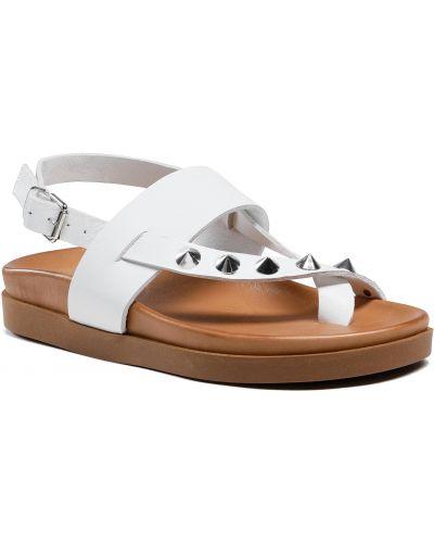 Białe sandały Inuovo