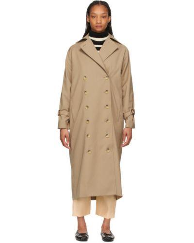 Бежевое длинное пальто двубортное с воротником Toteme