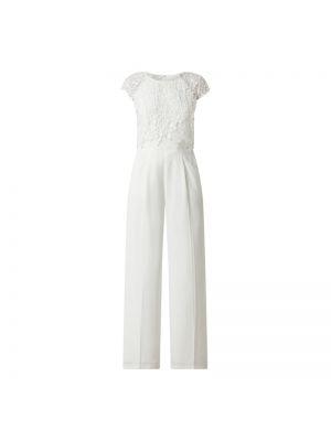 Ażurowy biały kombinezon krótki rękaw Apart Glamour