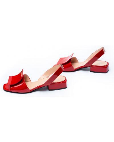 Кожаные босоножки - красные Evromoda