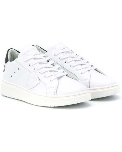 Кожаные белые кеды на шнуровке с нашивками Philippe Model Kids