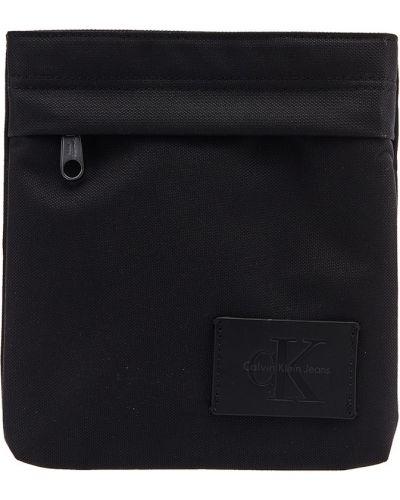 Черная сумка на плечо Calvin Klein