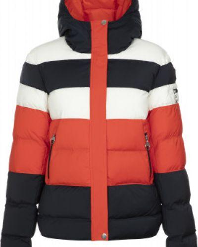 Приталенная теплая красная зимняя куртка Luhta