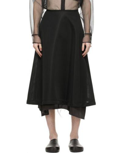 Расклешенная черная сатиновая юбка Sulvam