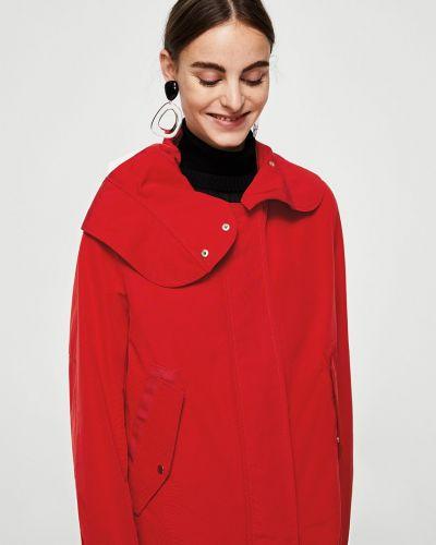 Утепленная куртка с капюшоном в клетку с поясом Mango