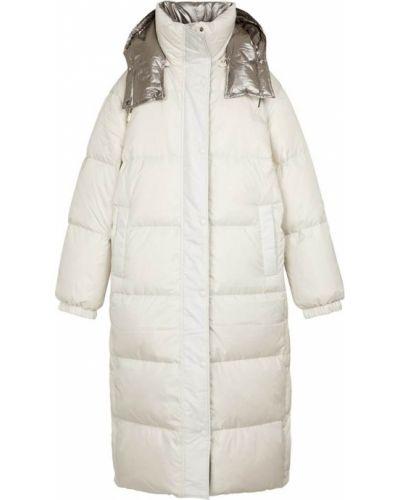 Белое пуховое пальто Yves Salomon