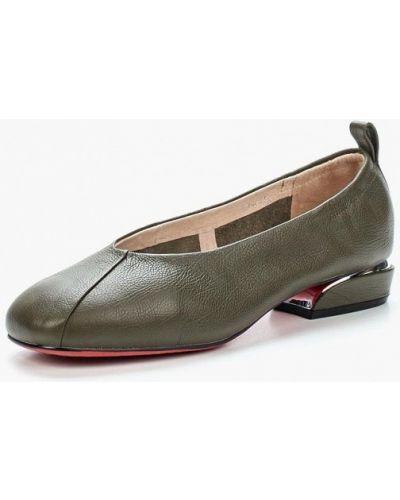 Кожаные туфли на каблуке Berkonty