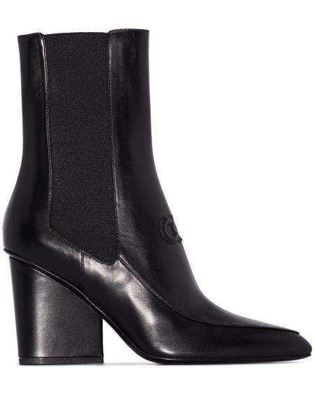 Włókienniczy czarny buty na pięcie na pięcie z ostrym nosem Salvatore Ferragamo