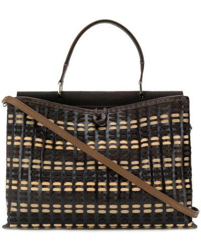 Коричневая плетеная сумка на плечо квадратная на пуговицах Carmina Campus