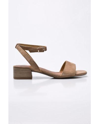 Коричневые сандалии на каблуке Tamaris