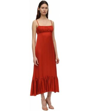Драповое платье макси с декольте на бретелях с драпировкой Lesyanebo