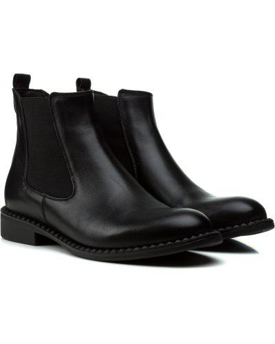 Ботинки - черные Kadar