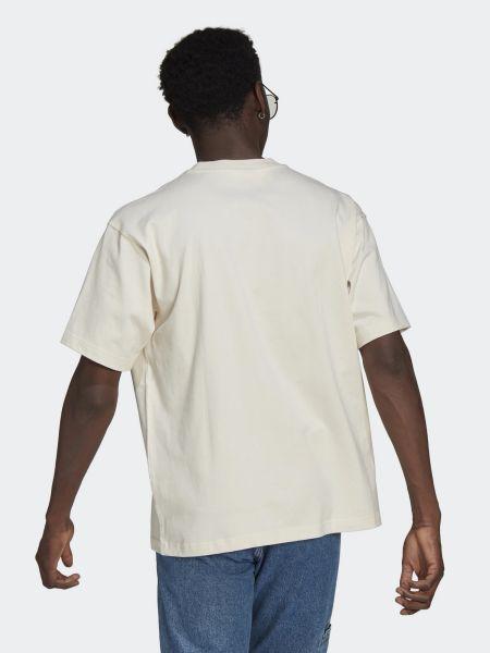 Хлопковая бежевая футболка с вырезом Adidas