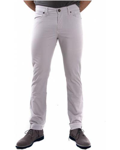 Białe spodnie Jeckerson