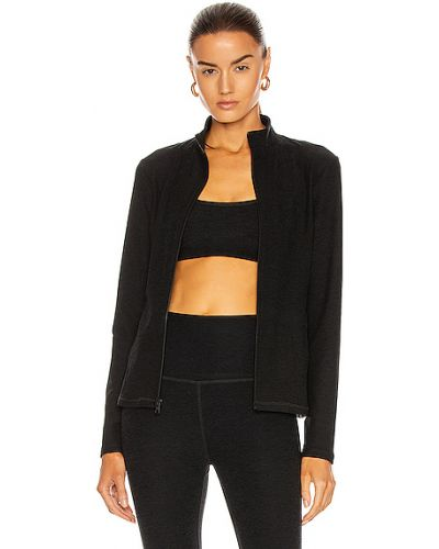 Трикотажная черная куртка с карманами Beyond Yoga