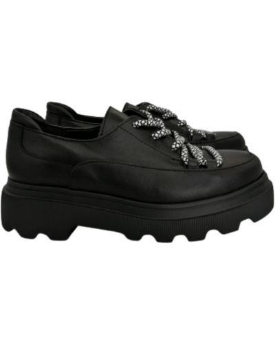 Кожаные туфли - черные Olli