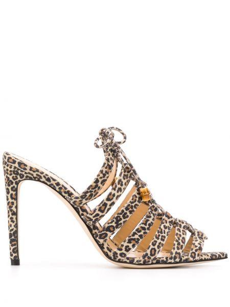 Открытые коричневые босоножки на шнуровке с открытым носком Chloe Gosselin