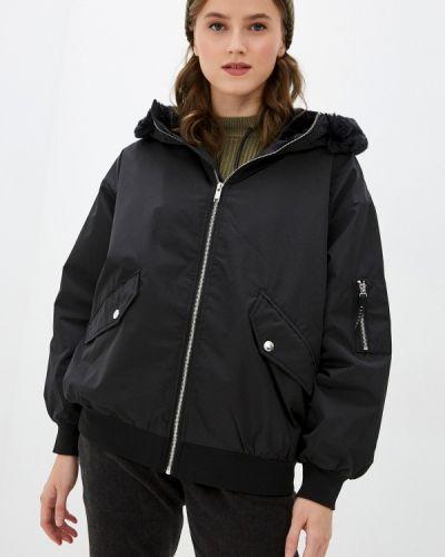 Черная демисезонная куртка Ostin