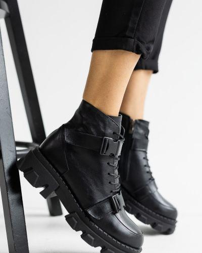 Кожаные ботинки - черные Olli