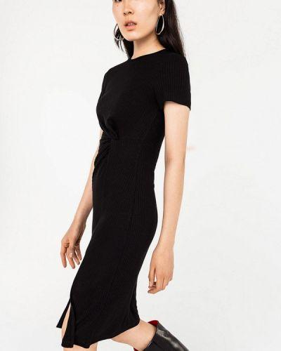 Черное прямое платье Befree