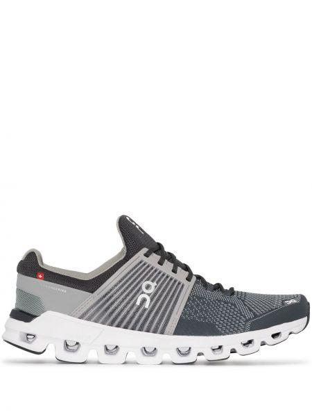 Серые текстильные кроссовки беговые для бега On Running