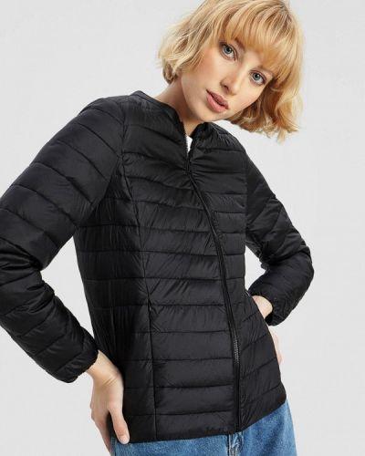 Утепленная черная куртка O'stin