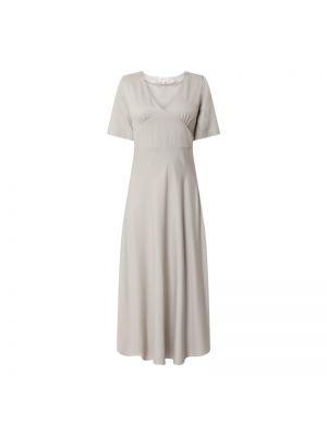 Sukienka długa rozkloszowana z wiskozy z dekoltem w serek Armedangels