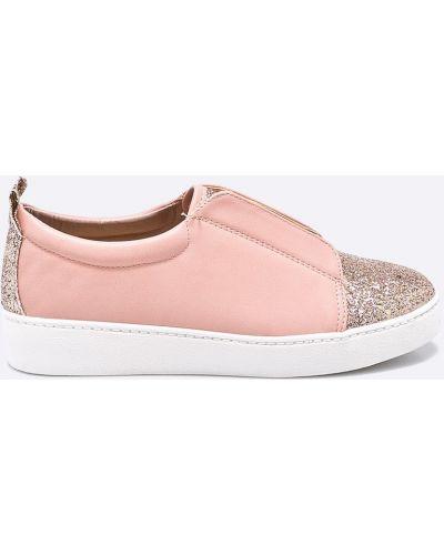 Розовые слипоны на платформе Answear