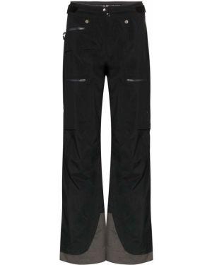 Черные прямые брюки с манжетами с карманами новогодние Norrona