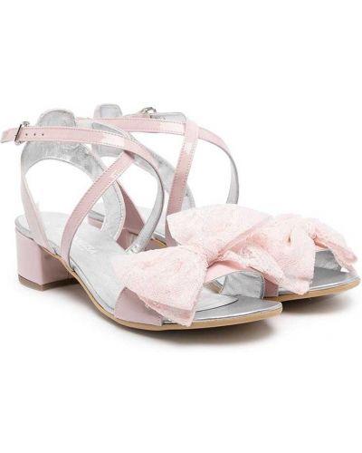 С ремешком открытые сандалии с бантом Monnalisa