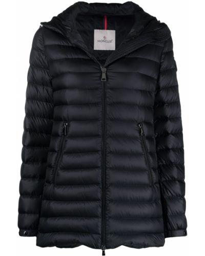 Черная пуховая длинная куртка с капюшоном Moncler