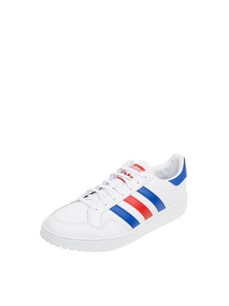 Białe sneakersy skorzane Adidas Originals