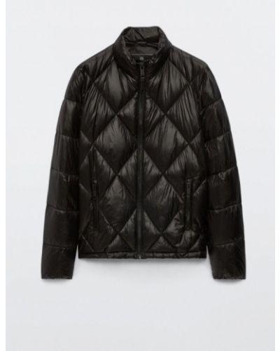 Черная зимняя куртка Massimo Dutti