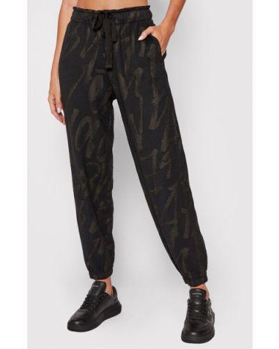 Czarne spodnie dresowe Deha