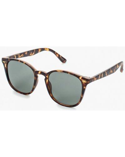 Коричневые солнцезащитные очки Aldo