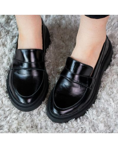 Черные кожаные лоферы Fashion