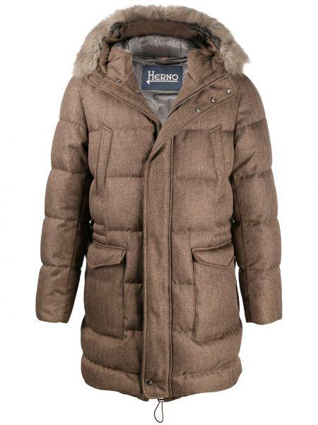 Puchaty beżowy długi płaszcz z kieszeniami przycięte Herno