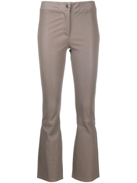 Брючные серые расклешенные укороченные брюки стрейч Arma