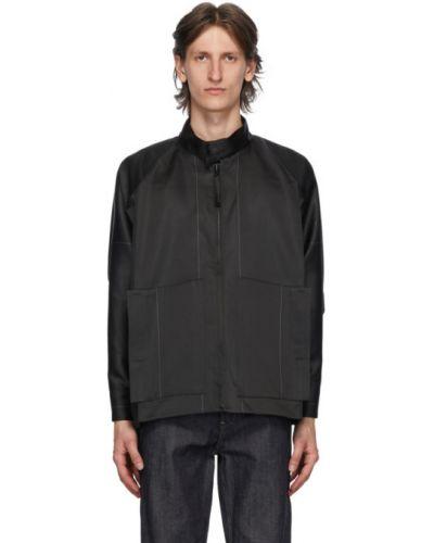 Текстильная черная длинная куртка с манжетами с воротником 132 5. Issey Miyake
