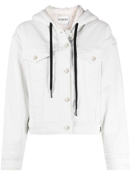 Белая джинсовая куртка с нашивками на пуговицах с карманами Iceberg
