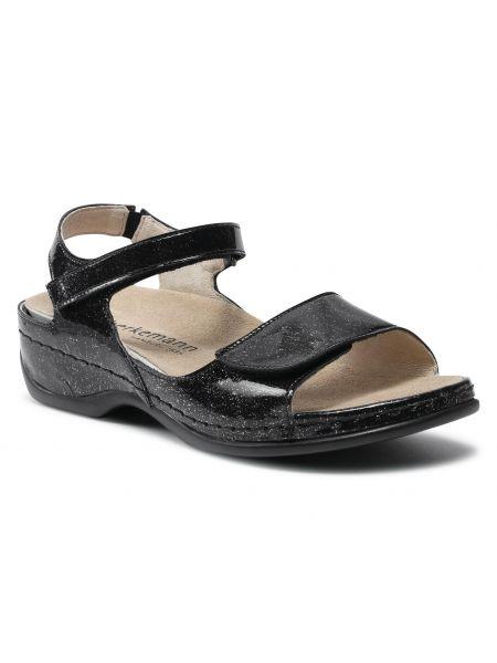 Czarne sandały lakierowane Berkemann