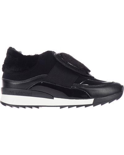 Черные кроссовки замшевые Love Moschino