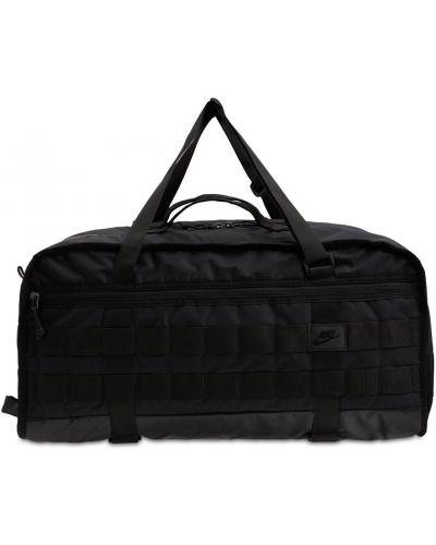 Черная спортивная сумка Nike
